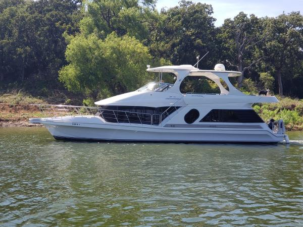 Bluewater Yachts 5200