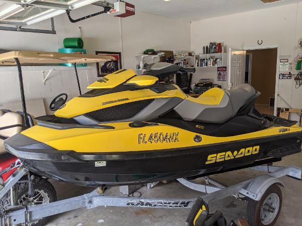 Sea-Doo RXT 255 is