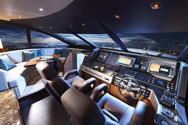 Sunseeker 28 M Yacht Helm