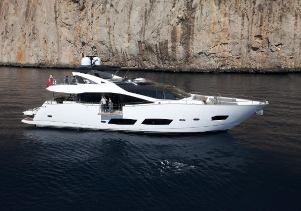 Sunseeker 28 M Yacht Side View