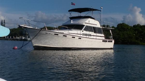 Bayliner 3888 Motoryacht ON MOORING