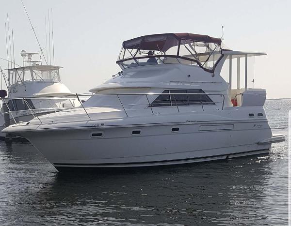Cruisers Yachts 3750 Profile