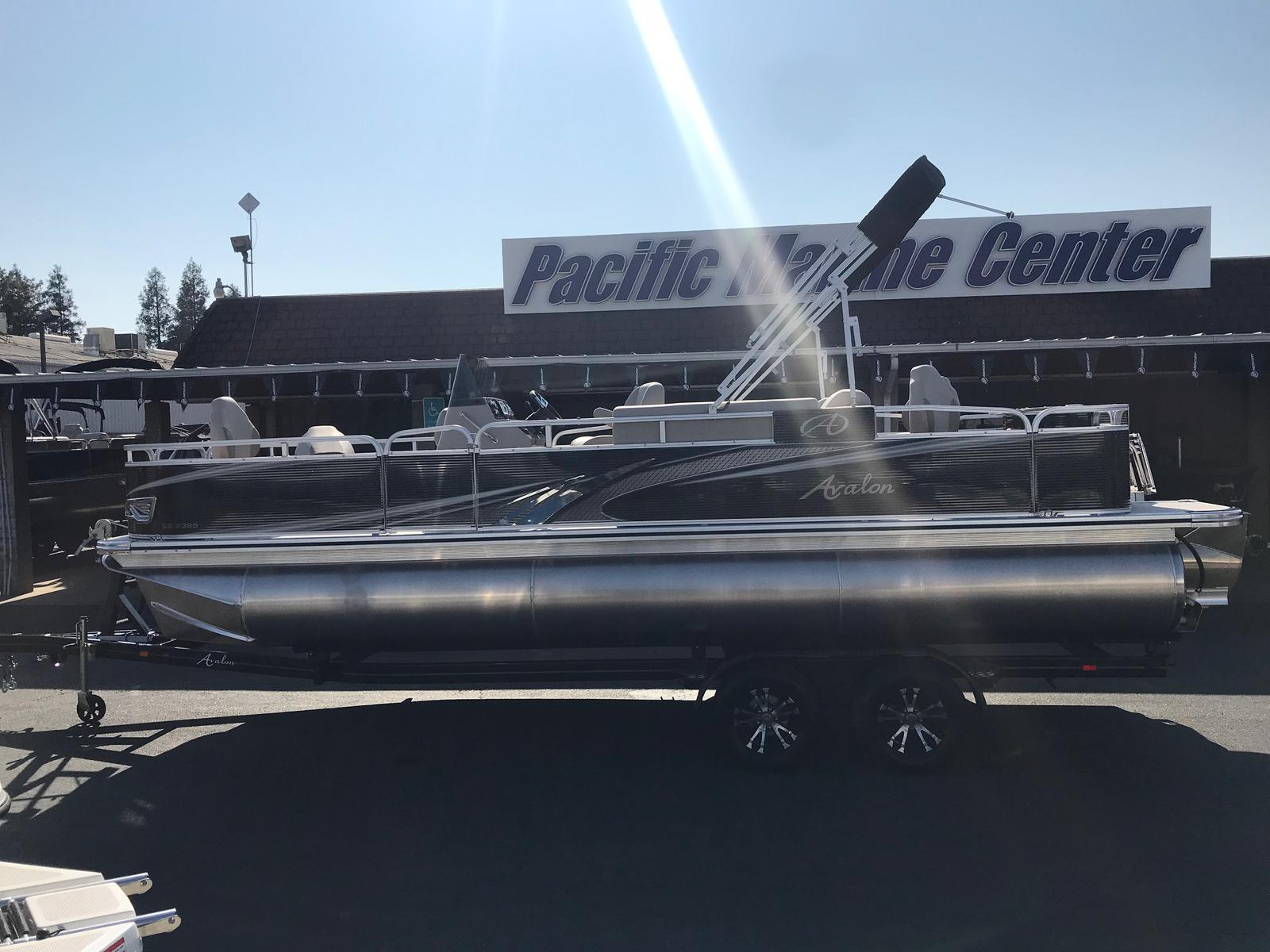 Avalon GS Center Console Fish 23' Tri-toon