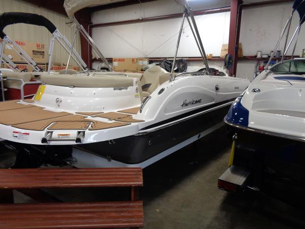 Hurricane SunDeck Sport 202 IO