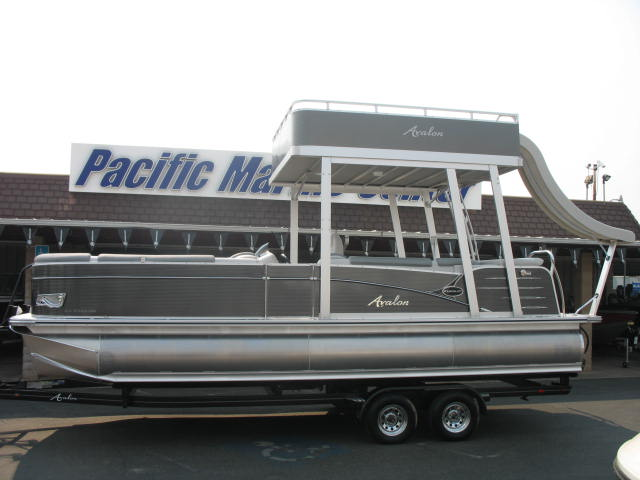 Avalon Catalina Cruise Funship 25' - 115HP Mercury