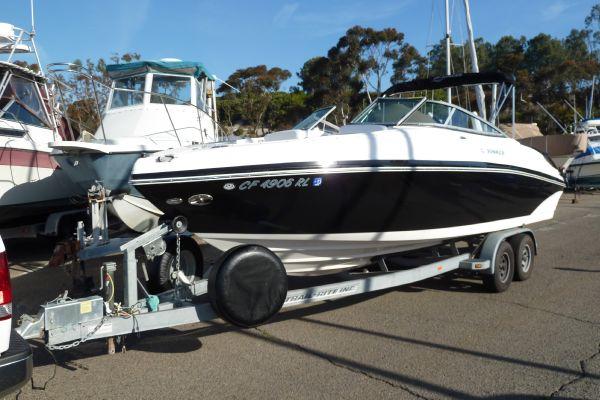 Rinker Captiva 246 BR Starboard Profile