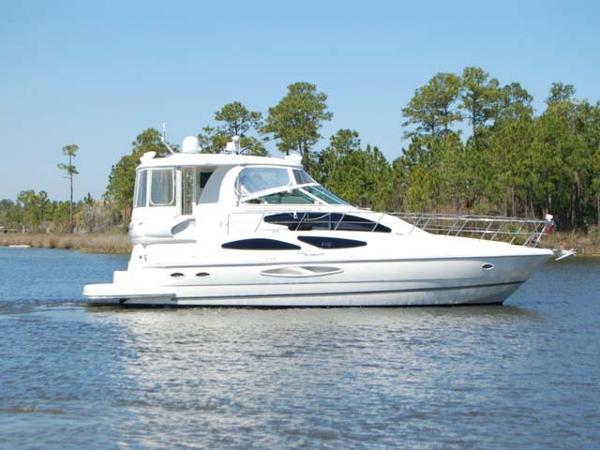 Cruisers Yachts 455 Aft Cabin Profile View
