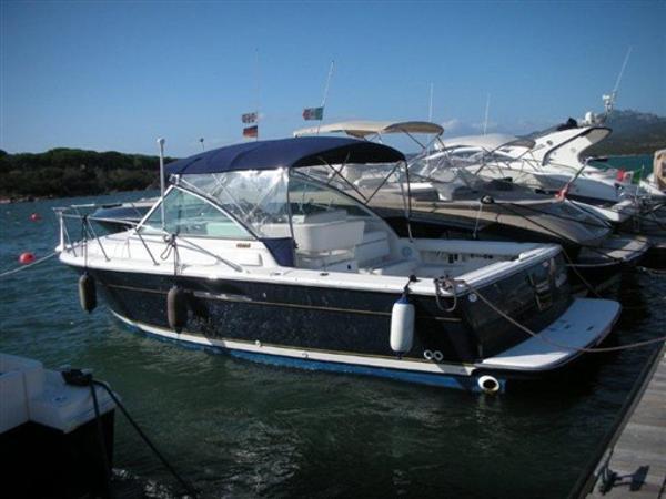 Tiara 2900 Coronet Profile