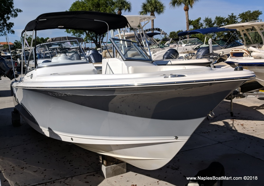 Sea Hunt Escape 235 SE