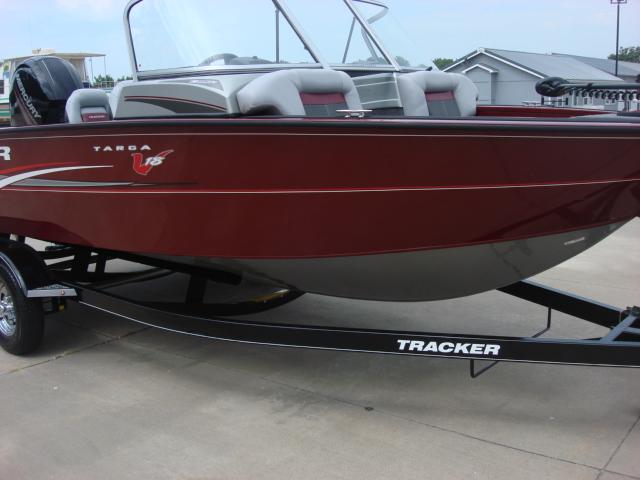 TRACKER BOATS Multi-Species Deep V Boat Targa V18 ...