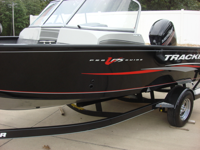 TRACKER BOATS Multi-Species Deep V Boat Pro Guide ...