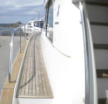 Wide side decks