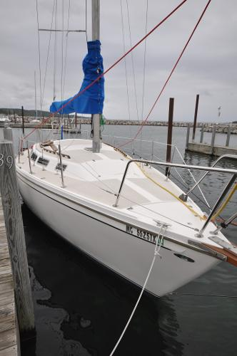 Catalina 30 Tall Rig Bow Aft