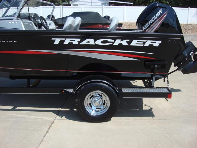 TRACKER BOATS Multi-Species Deep V Boat Pro Guide ...