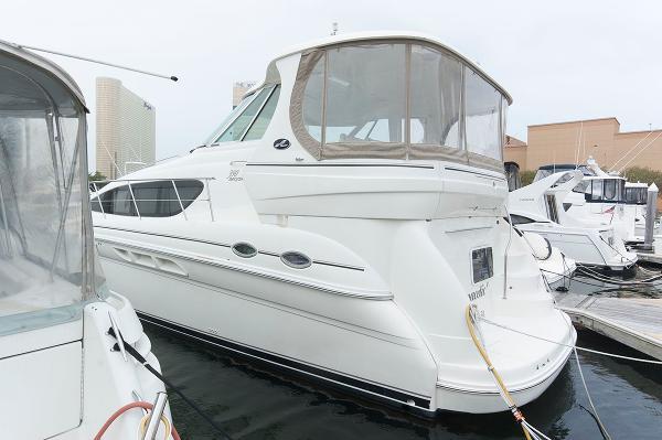Sea Ray 390 Motor Yacht Port Side