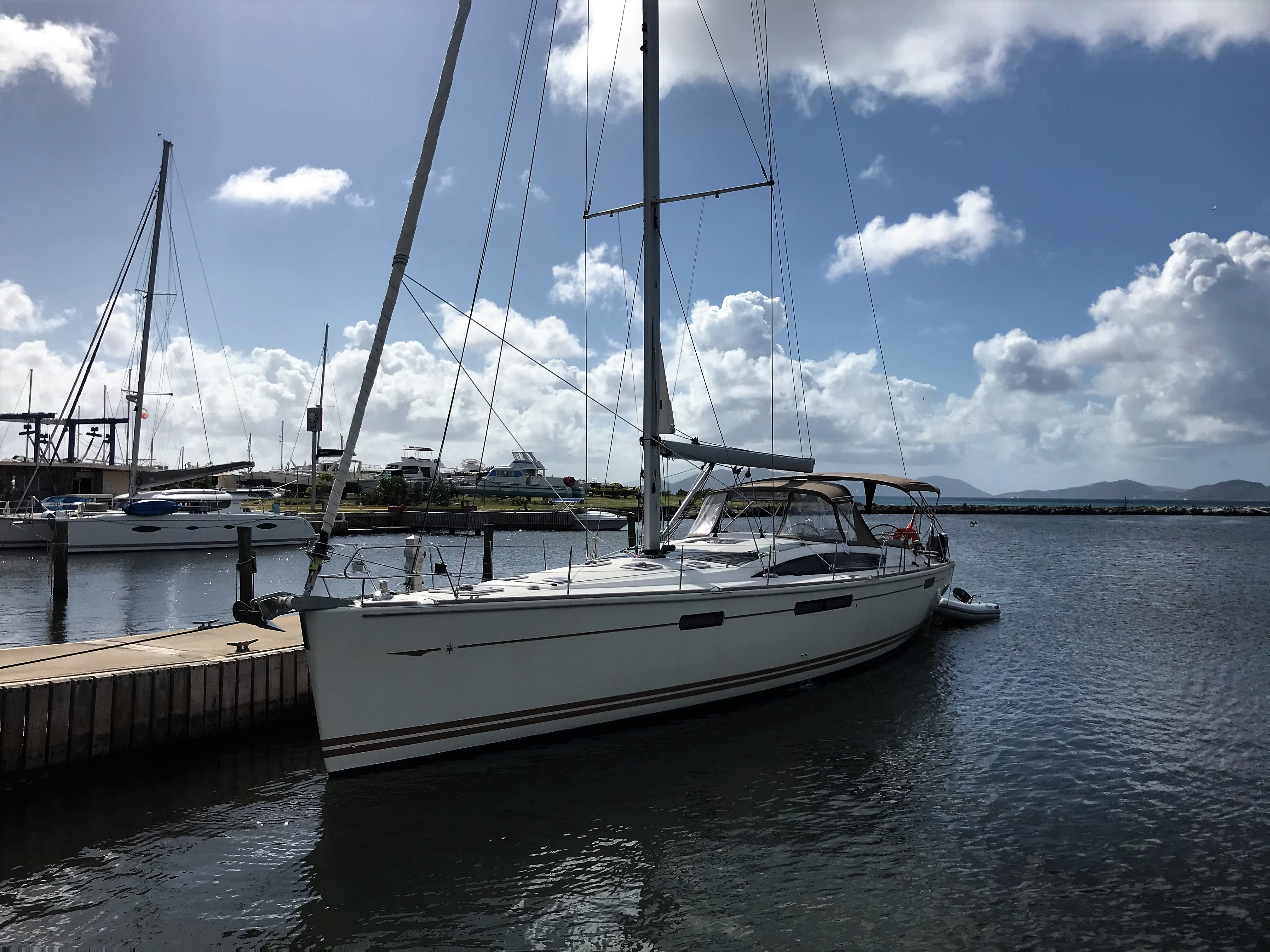 Jeanneau 57 Port Hull Side