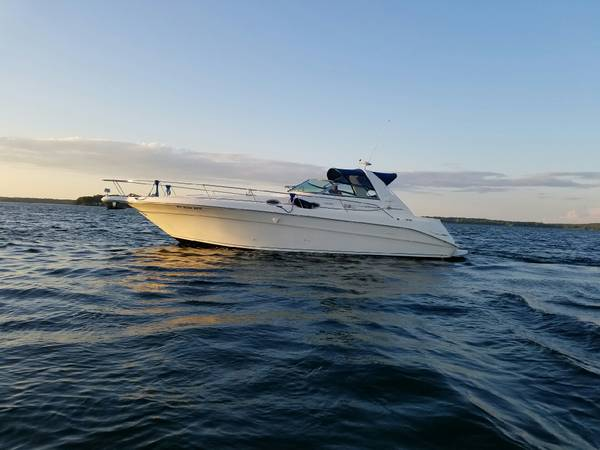 Sea Ray 330 SUNDANCE