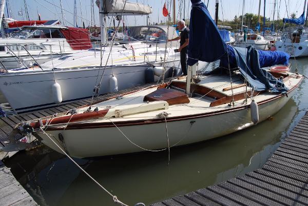 "Folkboat 25 Folkboat ""Betty"""