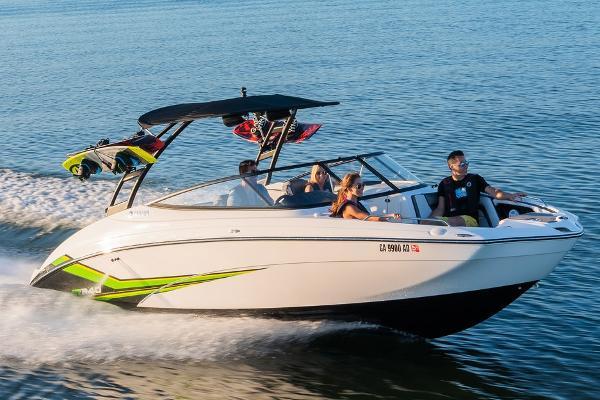 Yamaha Boats AR240 Manufacturer Provided Image
