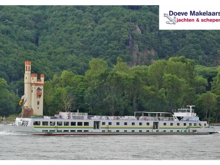 Hotel boat Diana, 82 passengers