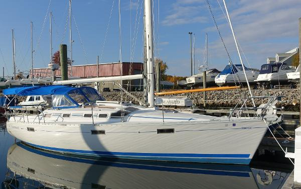 Beneteau 370 At the Dock