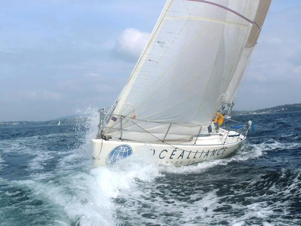 Jeanneau JOD 35 Under full sail