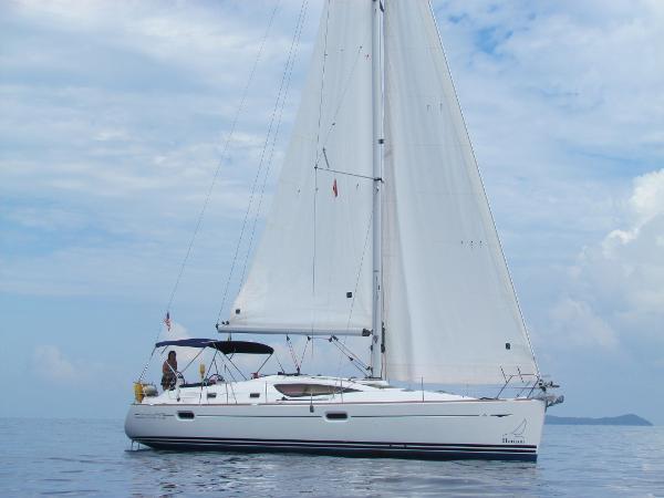 Jeanneau Sun Odyssey  42 DS Sailing