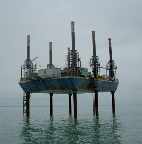 92' x 71' Jack Up Barge Registered in Canada
