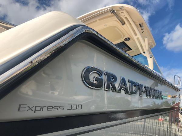 Grady-White Express 330