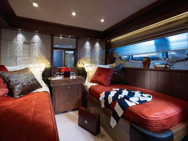 Sunseeker 30M Yacht Twin Cabin
