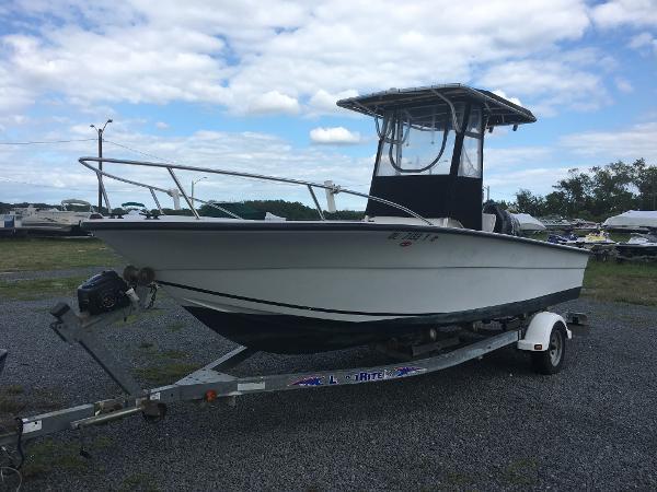 Angler Boats 2100CC