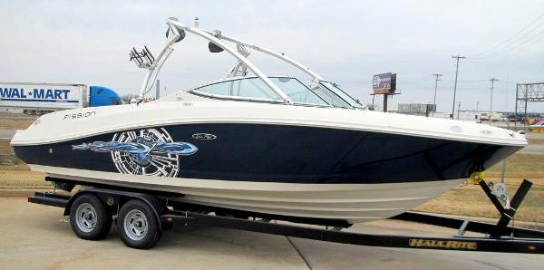 Sea Ray Fission 230 Select