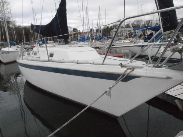 Ericson 30 Plus Port Bow At Dock