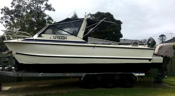 Custom Noosa Cat 2700 Walkabout