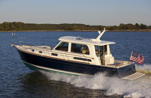 Sabre Yachts Salon Express Profile