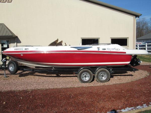 Kayot Deck Boat