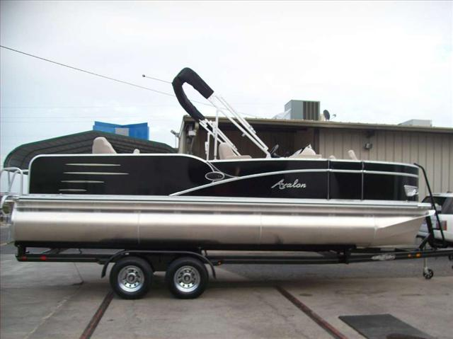 Avalon A Series Catalina Quadfish 22'