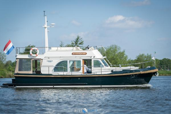 Linssen Classic Sturdy 36 Sedan Deck Bridge