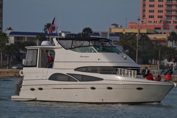 Carver 46 Motor Yacht 46' Carver starboard profile