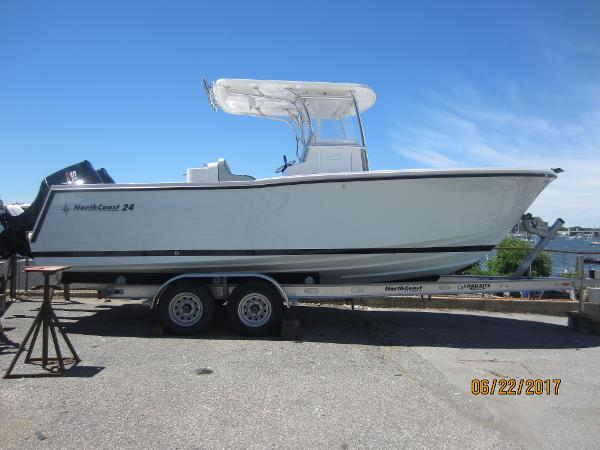 NorthCoast Center Console 2017NORTH COAST 24' CENTER CONSOLE