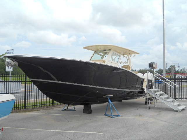 Scout Boat Company 350 LXF