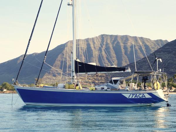 Columbia Yacht 43