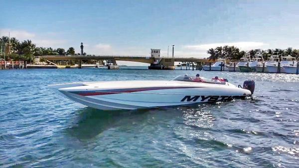 Mystic Powerboats C3801 2019 Mystic 38' DEMO -  Profile