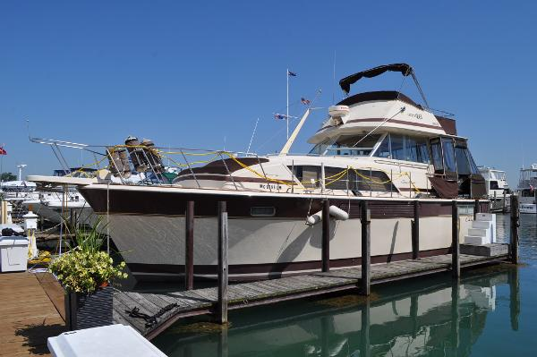 Chris-Craft 410 Motor Yacht