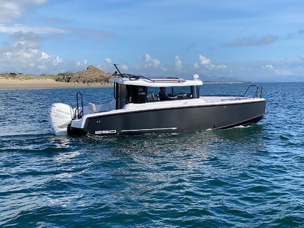 XO Boats 260 Cabin OB
