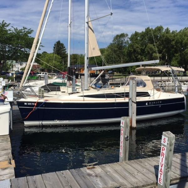 Marlow-Hunter 31 At dock