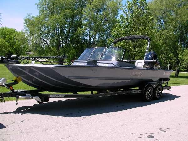 Seaark 2017 SeaArk ProCat 240
