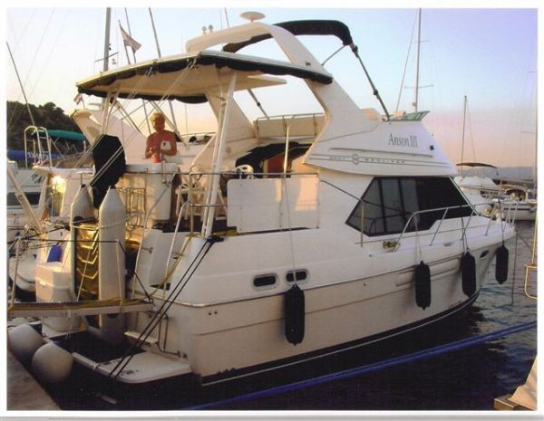 Bayliner 3587 Photo 1
