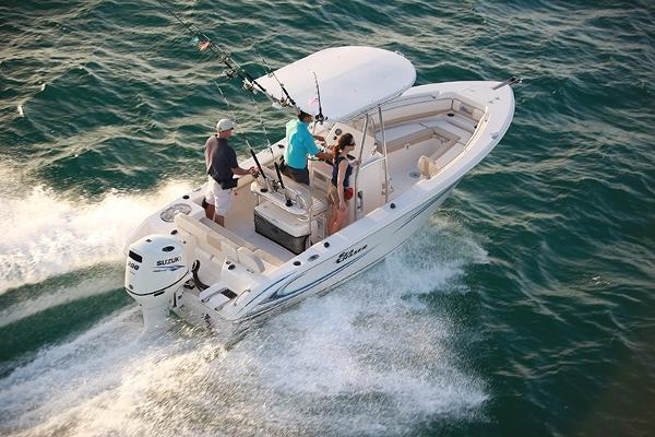 Sea Chaser 22 HFC Center Console