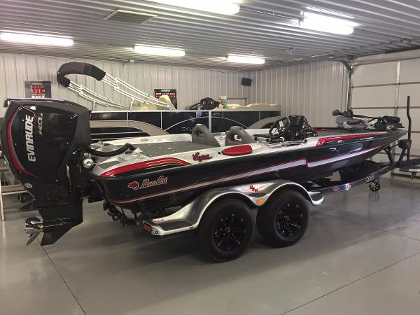 Bass Cat Boats Eyra